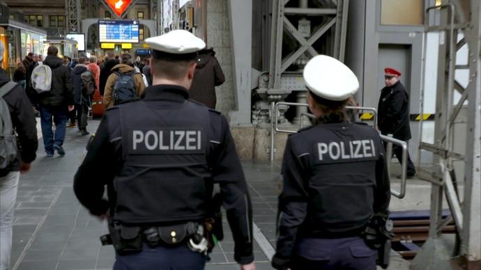 Mensch Polizist - Mein Leben in Uniform - RTLZWEI