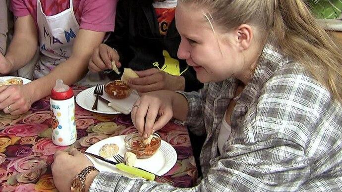 Lecker Schmecker Wollny - Folge 1 - Rezept - Pizza-Suppe
