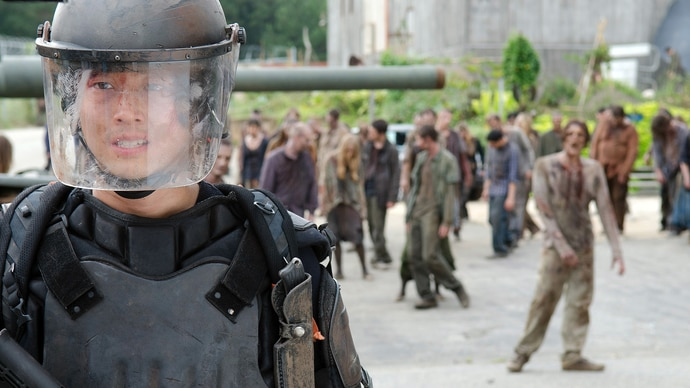 The Walking Dead - Staffel 4 - Folge 10 - Neben dem Gleis - Glenn