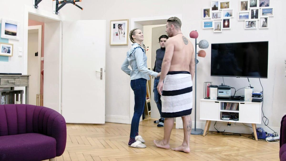 Jule versucht Marc eifersüchtig zu machen (Video) - Köln