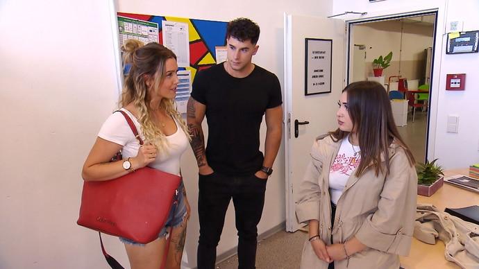 Danny und Thea gibt das Verhalten einer Schülerin Anlass zur Sorge...
