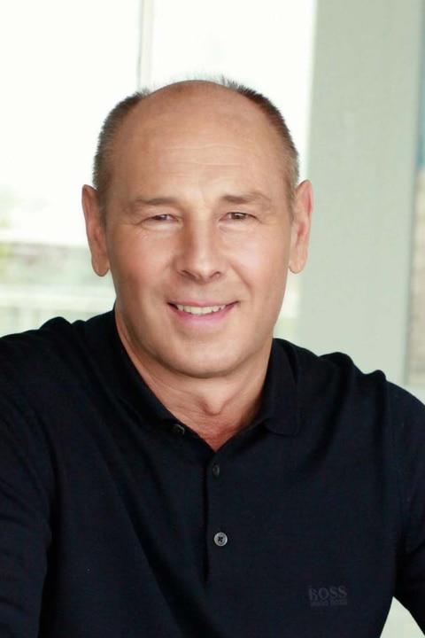 Dr. Stefan Woinoff