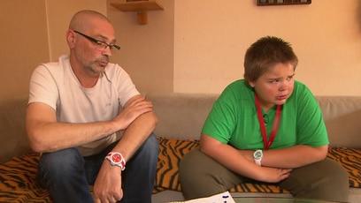 Miguel wird gemobbt: Der elfjährige Miguel wird aufgrund seines Übergewichtes ständig in der Klasse gemobbt....