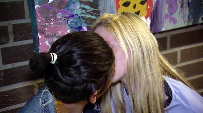 Kiara küsst Rocco