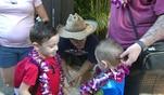 Nun trifft der Rest der Familie auf Hawaii ein. Sohn Jason mit Frau und Kinder d&uuml...