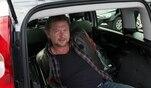 Det Müller auf der Suche nach den günstigsten Neuwagen-SUVs. Lada Niva, Dacia...