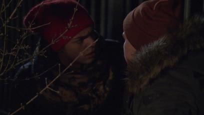 Nik trifft auf Pascals Vergewaltiger: Nik will Pascal endlich zur Rede stellen. Er will endlich wissen, was er mit dem...