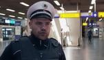 Die Beamten der Bundespolizei werden am Frankfurter Bahnhof Tag für Tag mit harten...