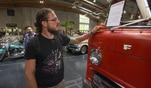 In Salzburg kommen 50 amerikanische Oldtimer unter den Hammer. GRIP ist bei einer der...