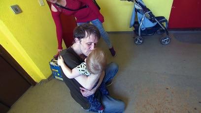 Dennis ist endlich frei: Dennis hat seine sechs Monate im Knast abgesessen und darf endlich seine Kinder...