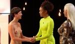 Sie freut sich besonders auf schöne Brüste: Pickerin Lisa in der 2. Runde bei...