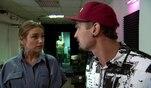 Milla und Leon diskutieren lauthals im LA14. Leon versucht, seiner Ex-Frau klarzumachen...