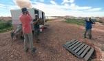 Heute wollen die Reimanns an einer Opalminen-Sprengung teilnehmen. Dabei darf Konny...