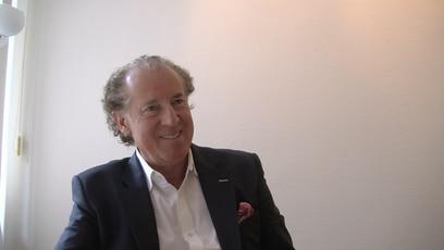 Interview mit Dr. Josef Thurner: Dr. Josef Thurner ist Spezialist für plastische und ästhetische Chirugie.