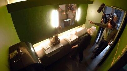 """Making of: """"GOTTLOS""""-Prank-Aktion: Ein Blick hinter die Kulissen: so entstand das Prank-Video zu """"GOTTLOS""""."""