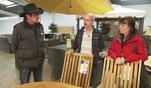 Anke und Carsten brauchen dringend neue Gartenmöbel. Zusammen mit Alex entwickeln...