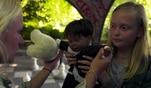 Katrins Tochter, die neunjährige Zoe, findet im Park eine Puppe. Doch an dieser...