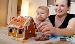 Teenie-Mütter: Wie baut man ein Lebkuchenhaus?